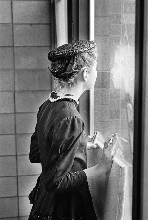 Window-girl-229PRINT.jpg